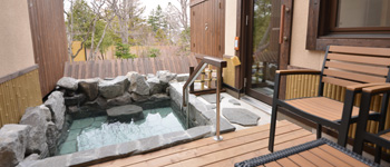 Japanese-western style room with an open-air bath (Accessible Room Type)
